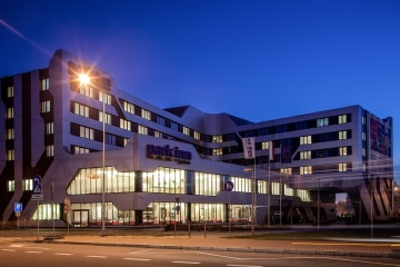 Union Investment erwirbt das Park Inn by Radisson Hotel in Krakau